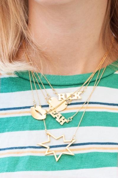 Halskette One word